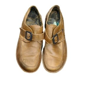 Fly London Brown/TanDistressed leather loafers